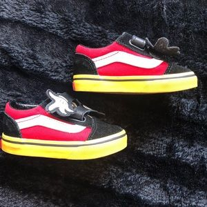 Vans Disney Edition Mickey Mouse Size 5.5 toddler